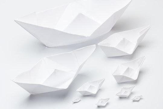 Barquitos de papel de diferentes tamaños