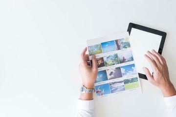 ビジネス デスク フカン iPad 書類 写真 人物 手