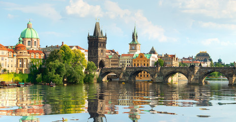 Fototapete - Famous Prague bridge