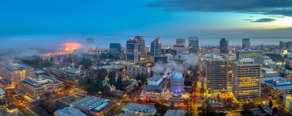 Fotobehang New York Aerial view of downtown Sacramento at sunset