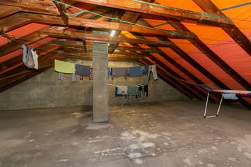 Alter Dachboden