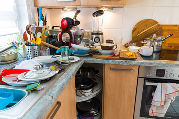 Compulsive Hoarding Syndrom - messy kitchen
