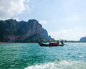 Barca tailandia oceano costa acqua verde