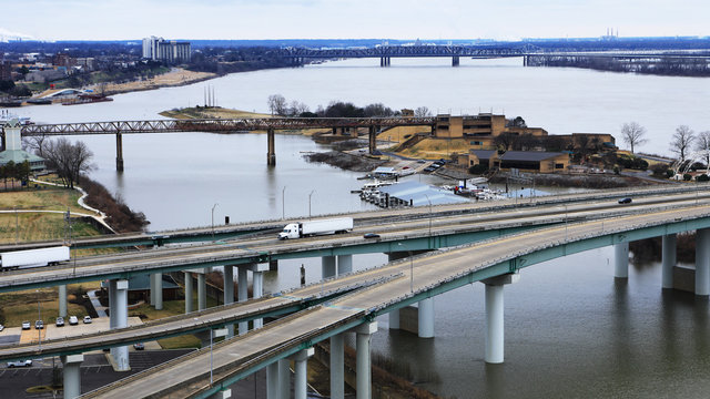 Bridge over Mississippi River at Memphis, Tennessee