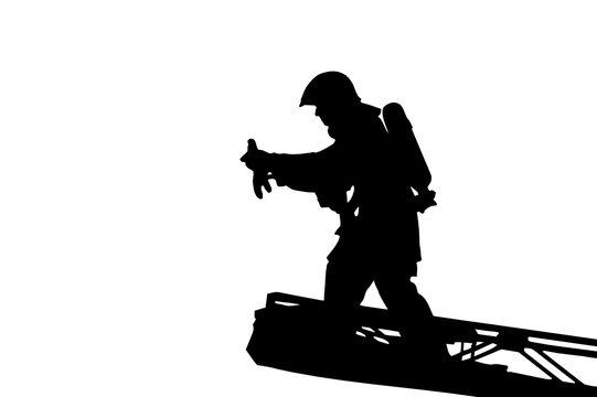 Feuerwehrmann als Silhouette auf Leiter