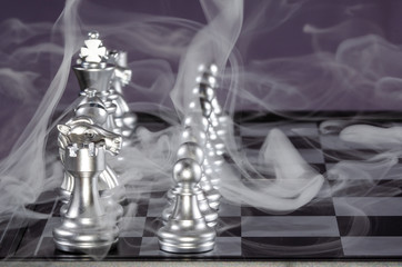 Fierce Chess Battle and the Fog of War