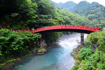 Papiers peints Pont Shinkyo bridge (red wood bridge) famous travel destination of Nikko, Japan.