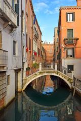 Autocollant pour porte Venise romantic cityscape of old Venice with a bridge over the canal, Italy