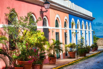 Fotobehang Abu Dhabi Colorful streets in old San Juan