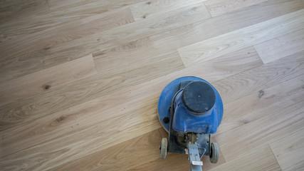 Fußboden Polieren ~ Bilder und videos suchen: einscheibenmaschine