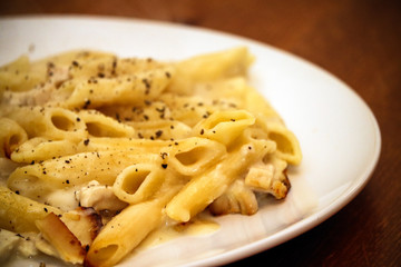 Plate of cheese pasta