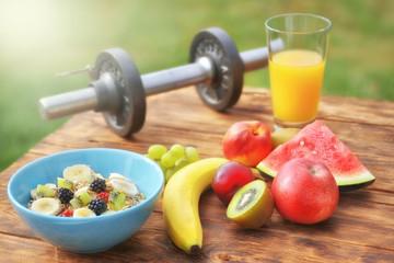 gesundes Frühstück im Sommer