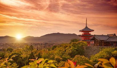 Poster Kyoto view of Kiyomizudera shrine and Kyoto city at sunset