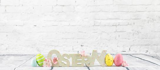 Osterkarte Ostereier neu Hintergrund Backstein