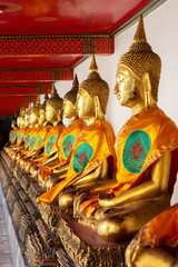 The Buddha image is arranged in the same direction as Wat Phra Chettuphon Wimon Mangkhalaram Ratchaworamahawihan or Wat Pho.