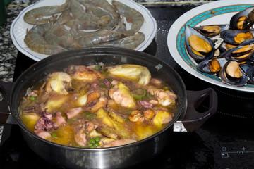 Tasty seafood dish – Paella a la marinera