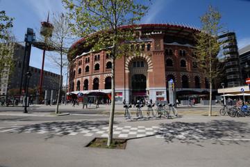 Antigua plaza de toros en la ciudad de Barcelona