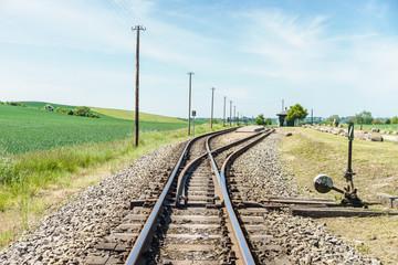 """Gleis und Haltepunkt vom """"Rasenden Roland"""" auf Rügen"""