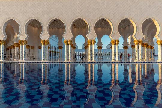 Sheikh Zayed Grand Mosque in Abu Dhabi near Dubai, United Arab EMirates