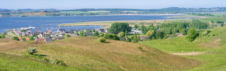 Landschaft auf dem Mönchgut der Insel Rügen mit Blick auf Gager