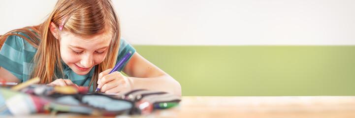 Schoolgirl doing homework, xxl+more: bartussek.xmstore