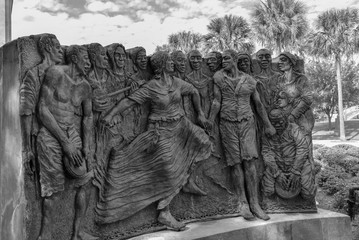 Sculpture of dancing slaves in the congo square at Louis Armstrong park in NOLA (USA) Fotomurales
