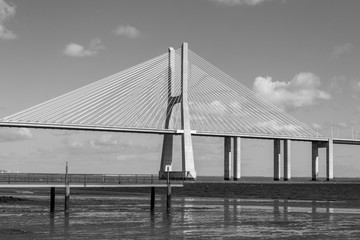 Vasco da Gama Bridge in Lisbon Fototapete