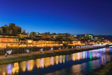 夏の京都 鴨川の夕景