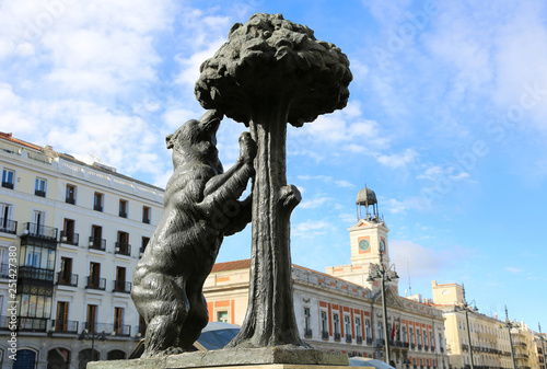 El Oso Y El Madrono Madrid Stock Photo And Royalty Free Images On