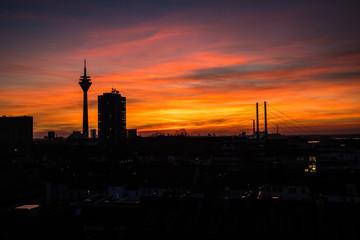 Rheinturm Düsseldorf Skyline