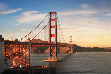 Fotomurales - Golden Gate Bridge at sunset - San Francisco, California, USA