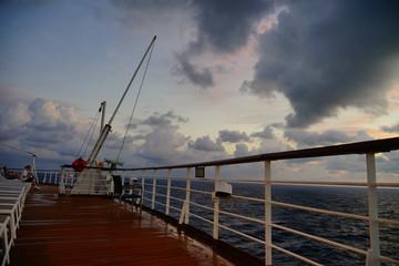 Fotobehang Brug Caribbean sea ocean sun rise
