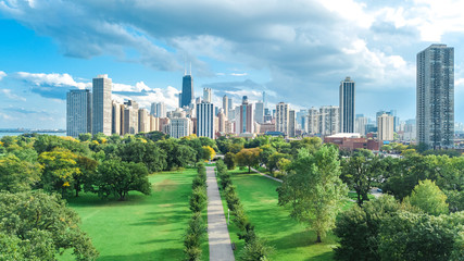 Fototapete - Chicago skyline aerial drone view from above, lake Michigan and city of Chicago downtown skyscrapers cityscape bird's view from Lincoln park, Illinois, USA