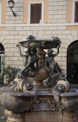 Fontana delle tartarughe a piazza Mattei, nel ghetto ebraico di Roma