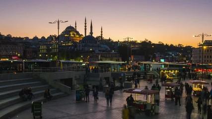 Wall Mural - People in Eminonu Bazaar day to night time lapse in Istanbul, Turkey
