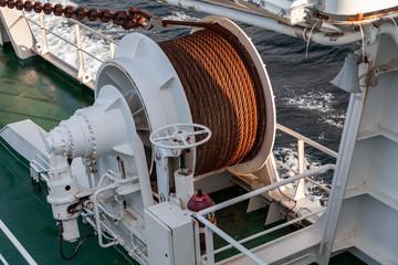 Foto auf AluDibond Schiff Bow anchor winch on ship deck