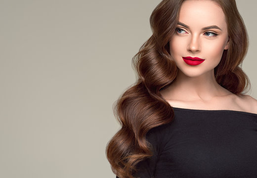 Beautiful hair woman long brunette hairsstyle healthy skin