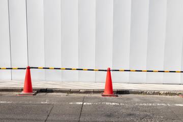 建設現場の三角コーン