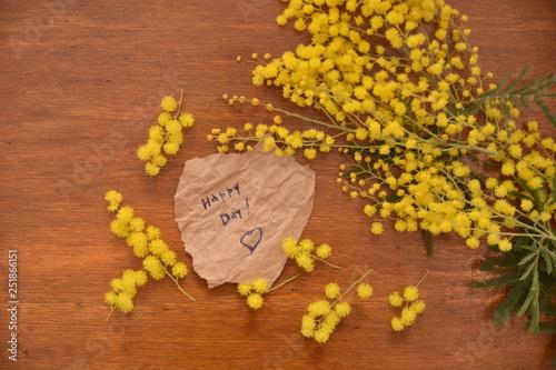 Fiori Di Mimose Per La Festa Della Donna 8 Marzo Su Tavolo Di Legno
