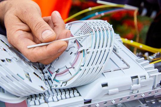 Verlegung und Anschluss eines Glasfaser  Kabels