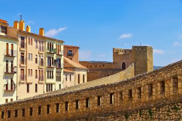 Stadtmauer in der alten mittelalterlichen Stadt Morella, Castellon in Spanien - city walls in the old medieval town of Morella