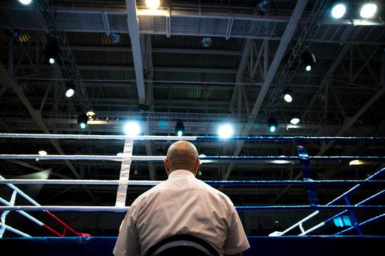 Boxing referee
