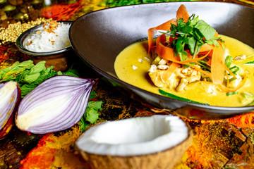 Thailändisches / Indisches Essen im Restaurant