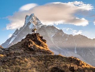 Machapuchare sunrise himalaya yoga