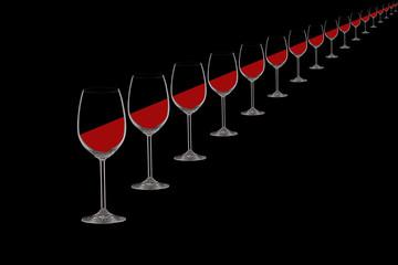 Weingläser in diagonaler Reihe