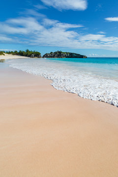 The idyllic sandy beach at Horseshoe Bay, on the island of Bermuda