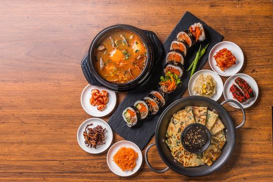 典型的な韓国料理 typical Korean foods