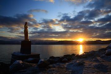 夜明けの田沢湖