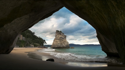 cathedral cove rock arch north island new zealand