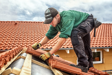 roofer at work, xxl+more: bartussek.xmstore